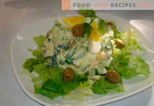 Салата с краставица и яйце - петте най-добри рецепти. Как да правилно и вкусно да се готви салата с краставица и яйце.