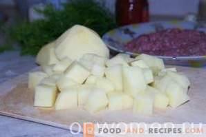 Оризови супи с кюфтета в бавен котлон
