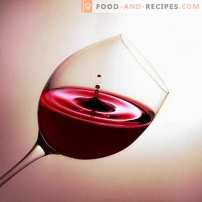 С какво пият червено полусладко вино