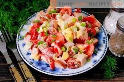 Салати от пиле и домати