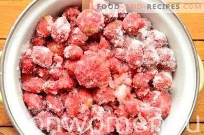 Ягодни консерви с цели плодове
