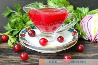 Сос от червена боровинка