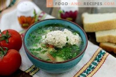 Супа с пилешки кнедли