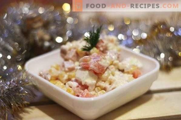 Салата със сирене, шунка и царевица