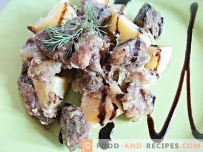 Месо с саксийни картофи в пещта