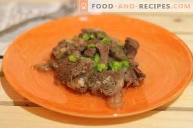 Говеждо месо в вино в бавен котлон