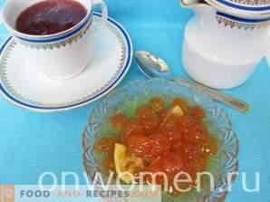 Marmellata di ciliegie bianche denocciolate
