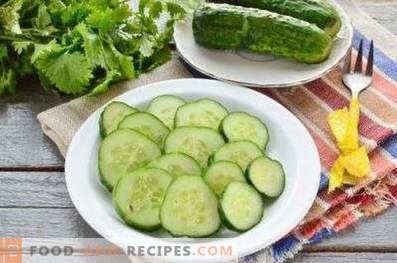 Мариновани краставици с чесън и мигновени зеленчуци