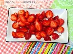 Двуслоен желе с ягоди
