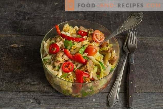Зелена и свинска салата - бърза и много вкусна