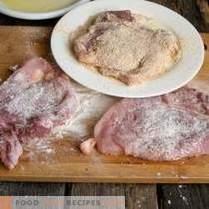 Сочен свински шницел